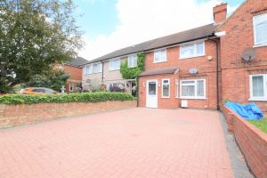 3 bedroom Houses for sale in Neville Road Ilford