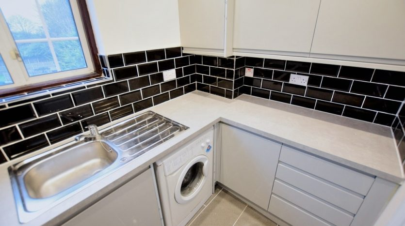 2 Bedroom Flat To Rent in Frinton Mews, Ilford