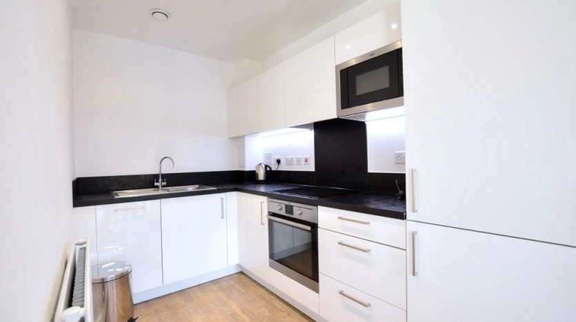 1 Bedroom Flat To Rent in Bramwell Way, Silver Town, E16