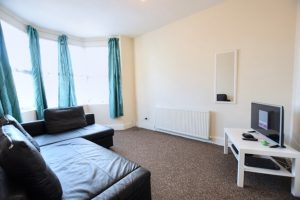 2 bedroom Apartments to rent in Hainault Street Ilford