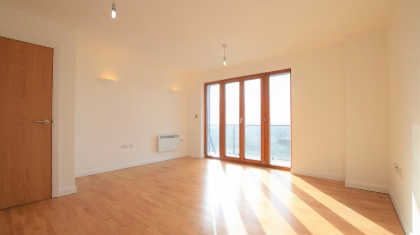 1 Bedroom Apartment For Sale in Ilford Hill, Ilford, IG1