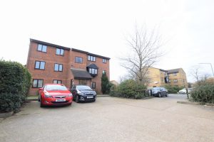 1 bedroom Apartments for sale in Blacksmiths Close Chadwell Heath